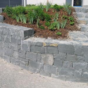 Kamenná zeď aschody – Brno, Černopolní