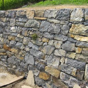 Dry laid wall – Brno, Salajni