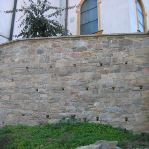Obnova opěrné zdi – Červená Lhota uTřebíče, kostel
