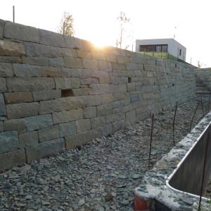 Opěrná zeď – Frýdek-Místek, Horní