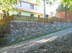 Opěrná suchá zeď – Husle uTišnova