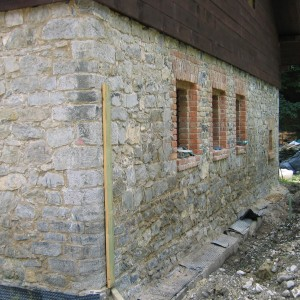 Stonework reconstruction – Stara Hut by Adamov