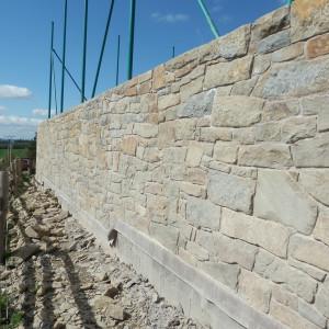 Kamenná zeď – Újezd uBoskovic